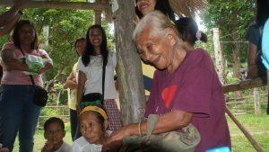 Los Hanunoo, una tribu nativa de Filipinas, imagen por National Geographic.